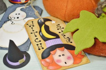 Come fare una targa decorativa per Halloween